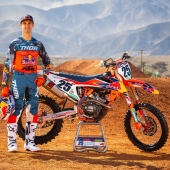 256170_sx_ktmteam2019-musquin_portrait_08