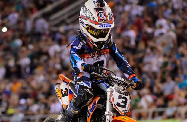 Julian gagne à Vegas avec plus de 8 secondes d'avance. © KTM