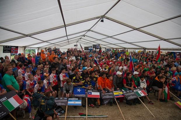 Présentation-des-équipes-Mondial-Junior-2013-620x413