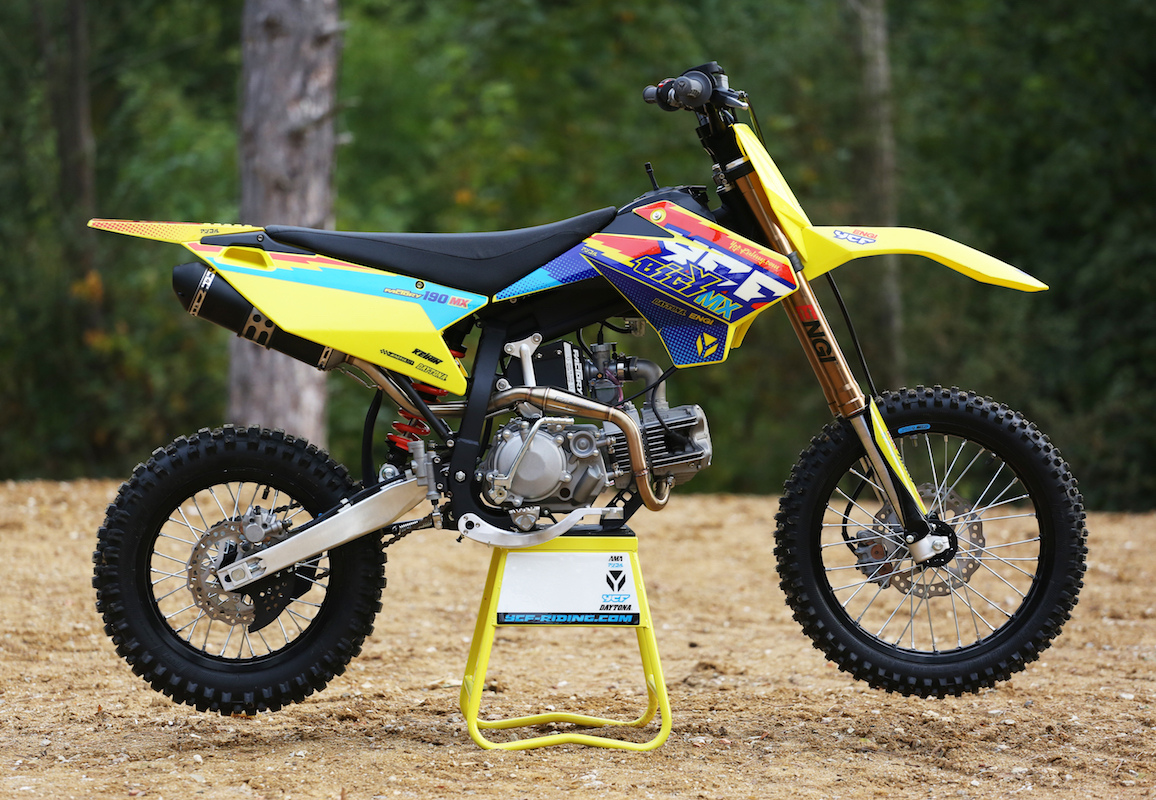 ycf lance les mod les bigy lebigusa actualit du motocross supercross us. Black Bedroom Furniture Sets. Home Design Ideas